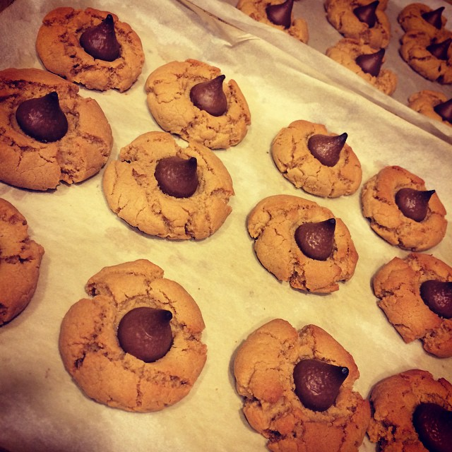 Yummy bake fest tonight! Decided to make some peanut butter blossom cookies for my hard working printing and production guys!  _______________________________________  Tag a friend and share!  #sonyapaz #sonyapazgallery @Instag_app #food #foodporn #yum #instafood #yummy #amazing #instagood #photooftheday #sweet #cookies #cookies #blossoms #chocolate #tasty #food #delish #delicious #eating #foodpic #foodpics #eat #hungry #foodgasm #dessert