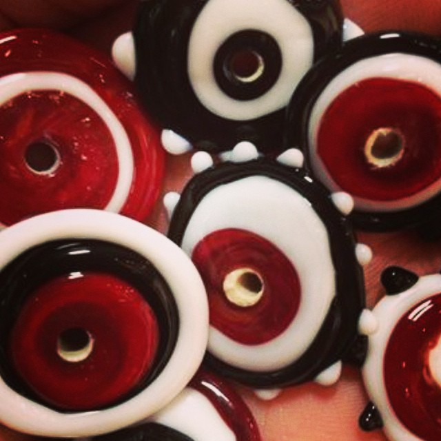 Fun crazy glass disc beads. Red and white and black oh my...! Handmade glass disc beads for pendants and rings!???❤️❤️❤️???_______________________________________  #sonyapaz #sonyapazgallery #sonyapazstudio #sanjoseart #art #artist #jewelry #earrings #handmadebeads #beads #handmade #glassbeads #torchworking #torch #flamework #creative #pendant #glass #arte #myart #artwork #color #popart #funky #funkyjewelry #wirewrapped #wirejewelry #beadedjewelry #disc